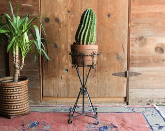 Vintage Wrought Iron Plant Stand, Metal Plant Holder, Indoor Plant Stands, Rustic Modern Plant Stand, Mid Century Succulent Planter Outdoor