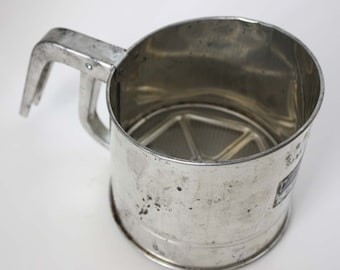 Bromco Flour Sifter 3-Cup Sifter - Vintage Kitchen Utensil - Leigh Bromwell, Michigan City - Made in USA - Reto Kitchen Baking