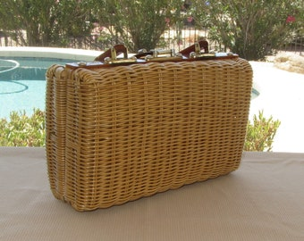 Vintage 60s Wicker Purse, Top Handle, Natural Color, Leather Hinges