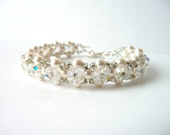 Girls Pearl Bracelet, Flower Girl Pearl Bracelet, WHITE or IVORY Pearl Bracelet, Flower Girl Gift, Flower Girl Bracelet, Toddler Flower Girl