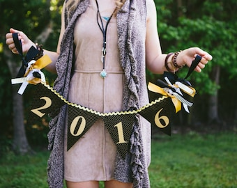 GRADUATION BANNER / Graduation party decorations / Congrats grad banner / Class of 2018 banner / Congratulations banner. Senior picture prop