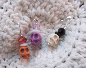 Carved Dyed Howlite Skull with Glass Crystals Stitch Markers