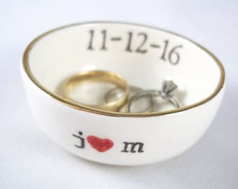 custom bridal shower gift, personalized ring dish, jewelry dish, engagement ring dish, gift for bride, personalized ring holder
