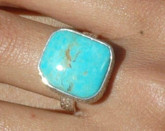 Fabulous Turquoise Ring Size 8 in Sterling Silver P154