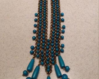 Turquoise blue beaded vintage necklace