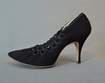 Vintage 1950s Shoes Black Suede Size 8AA, Ribbon Trim, 3-3/4 inch Heels, Pointy Toe, Condotti