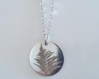 Leaf Necklace - Fern Pendent Necklace - Nature Necklace - Flora - Fossil Necklace - Leaf Imprint Necklace - Minimalist Circle Necklace