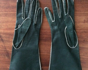 Vintage Table Cut Leather Unlined, Hand Sewn Gloves, Size 6 Women's Small, Green