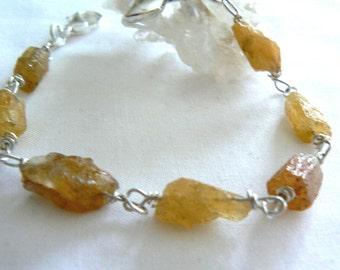 Raw aquamarine gemstone bracelet -Rough heliodor aquamarine bracelet -Wire wrapped silver bracelet- yellow aquamarine- Women gift