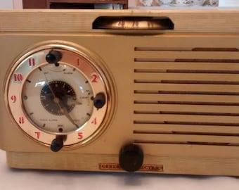GE Mid-century Clock Radio