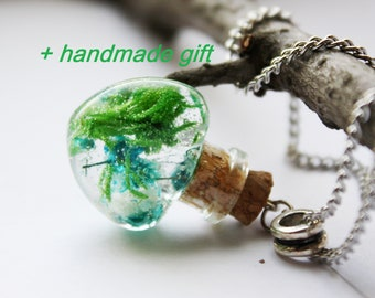 Real moss necklace Terrarium Real flower Botanical necklace Moss pendant Nature Jewelry Real plant Woodland Forest necklace Resin Jewelry