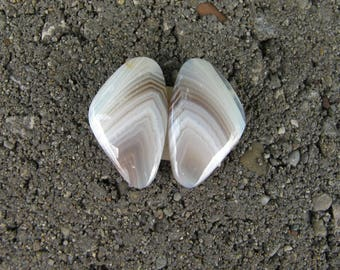 Pair matching Banded Agate triangular cabochons. Various shades whites and beige. 12 x 20 mm.  113L0046 Botswana  agates
