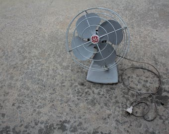 VINTAGE non working GENERAL ELECTRIC brand fan