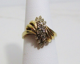 Vintage Ring: 10k Yellow Gold with White Gold Accents