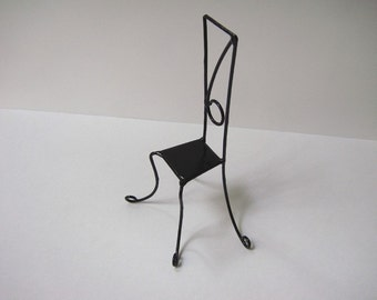 number's black chair
