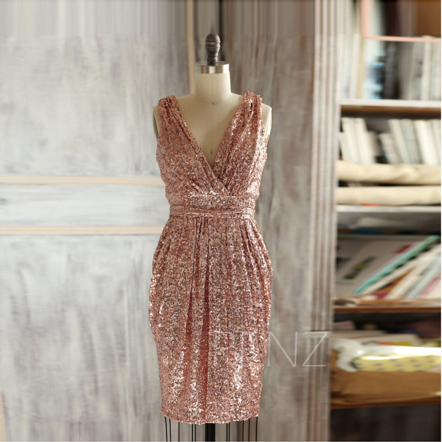 Short Rose Gold Bridesmaid Dress Sequin V Neck Luxury Sheath