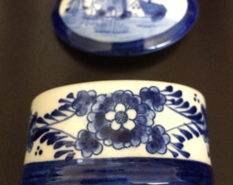 Little hand-painted Delft box from Holland.