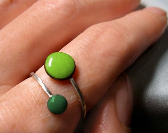 Orbit Enamel Ring, Lime Green and Evergreen, Adjustable Size, Kiln-fired Glass Enamel and Sterling Silver