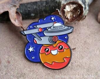 Star Trekkin enamel lapel pin