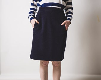 Dark Navy Blue  Wool Skirt // Pockets on the front // modern aesthetic // knee length // made in Italy // approx modern size uk 10-12?