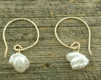 Pearl earrings with hammered 14kt gold filled wires