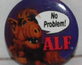 Vintage ALF TV Show No Problem! 1986 Pinback Button