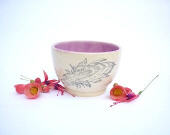 tasse rose,dessin de plume,poterie illustrée,double expresso,ceramique faitmain, bol dessiné,cadeau artisanat,pot cactus succulent