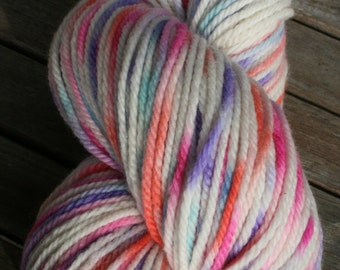 Hand dyed, Worsted merino wool, 199m, 100g skein. Droplet dyed, pastels.
