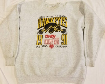 Iowa Hawkeyes 1991 Holiday Bowl Crewneck Sweatshirt Gray Size XL Fruit of the Loom Vintage College Football