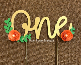 Cake topper with mini paper flowers
