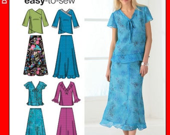Simplicity Easy to Sew Women pull on skirt and shirt. Size 20w-28w. New and uncut. Simplicity 4221.