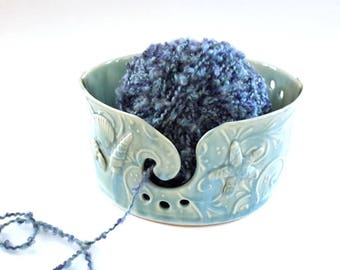 Turquoise Pottery Yarn Bowl // Seashell Yarn Bowl // Turquoise Handmade Knitting Bowl // Yarn Holder // Gift for knitter // OOAK yarn bowl