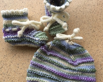 Unique// One of a kind // Baby Booties and Baby Hat