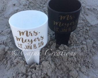 Bride and groom Beach Spiker, bride gift, groom gift, beach wedding, personalized bride groom spiker, honeymoon gifts, est.with wedding date