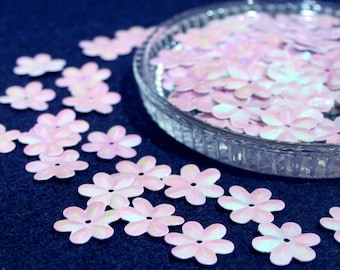 100 • 15 mm Pastel Purple Flower Sequins