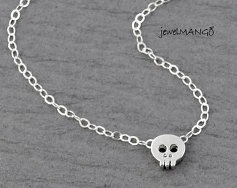 Tiny skull necklace sterling silver chain, dainty minimalist jewelry, delicate sterling silver chain, skull, skull pendant,halloween jewelry