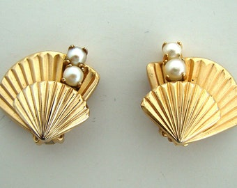 Vintage Gold Filled Cultured Pearl Earrings