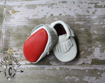 SALE WoW! WHITE Red BOTTOMS 100% genuine leather baby moccasins Mocs moccs top quality, first birthday,