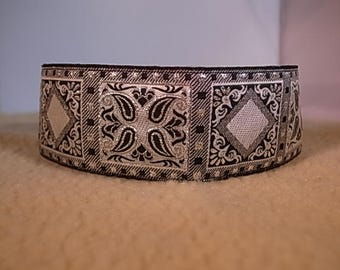 "2"" Wide Metallic Silver Patterned Squares House/Martingale Collar"