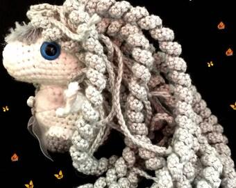 Amigurumis Baby Pegasus, long twisted mane.