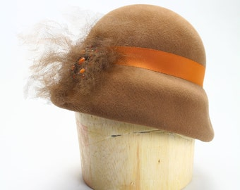 1920s Camel Tan Velour Fur Felt Cloche Flapper Hat with Rayon Grosgrain, Silk Tulle and Vintage Pin- Millinery/Womens Hat/Couture
