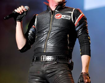 Gerard Way My Chemical Romance Poster - 3 Size Options - Includes a Free Surprise A3 Poster (1)