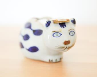 Vintage Cat bande distributeur • Kitty en céramique Figurine • Blauw Delft Elesva Style • porcelaine poterie • bureau blanc bleu • Français Country Home