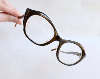 1950s 60s Eyelash cateye spectacles / 50s 1960s big winged cat eye glasses sunglasses frames
