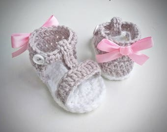 Crochet Baby Sandals, Crochet Baby Shoes, Baby girl sandals, saummer shoes, gray baby shoes, pink bow, babyshower, birthday, newborn gift