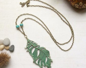 Boho Feather Pendant Necklace, Patina Feather Charm m15
