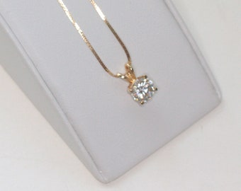 14K Gold Pendant Necklace Simulated Diamond Crystal Solitaire Pendant