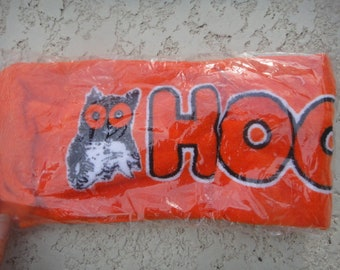 """RARE NEW 24"""" Hooters Wing Mancave Novelty Oragne Hooters Golf Towel / Sport Towel With Grommet great gift"""