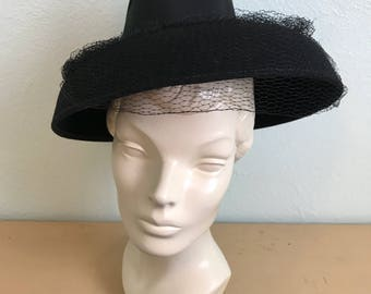 Vintage 1940's Black Fedora Style Tilt hat with netting /40s womens hat