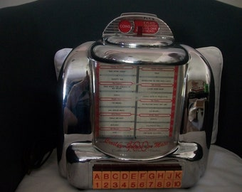 Vintage Crosley Select-O-Matic Table Top Juke Box